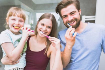 UK: mycie zębów raz dziennie wystarczy?