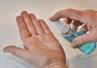W pandemii wzrosła liczba Polaków dezynfekujących ręce