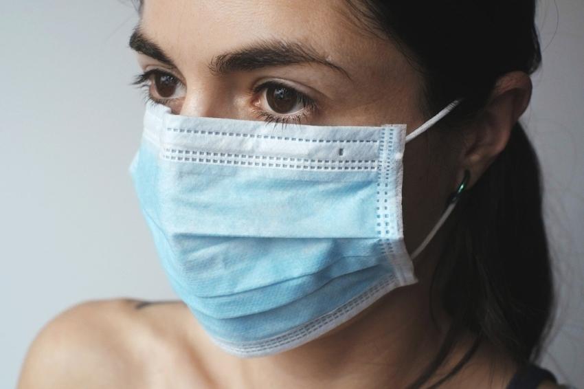 Światowa Organizacja Zdrowia: nowe wytyczne ws. maseczek