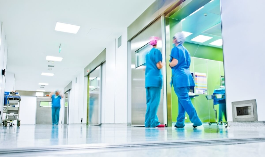 UK: Dentyści NHS delegowani, by wspierać służbę zdrowia