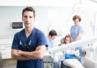 """Francja: """"nagi protest"""" lekarzy dentystów przeciw brakowi środków ochrony"""
