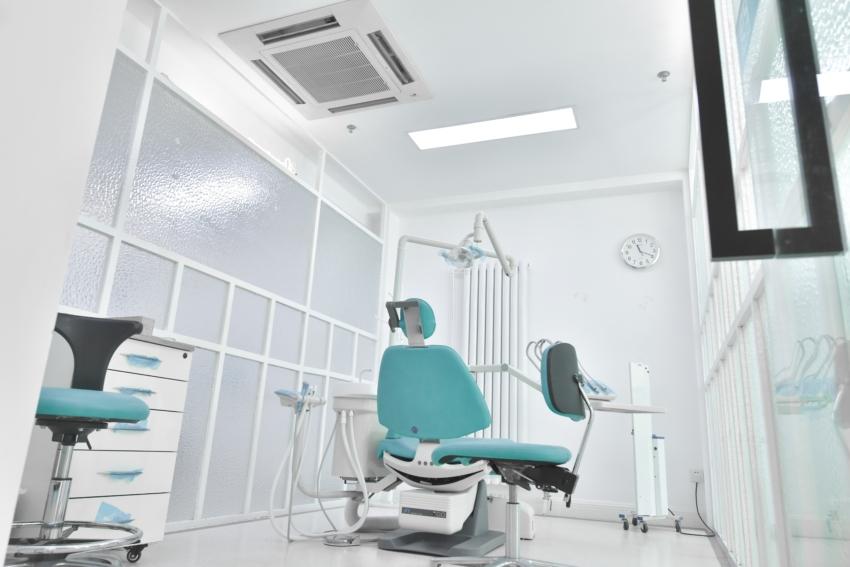 Co z pomocą dla dentystów współpracujących z NFZ-em?