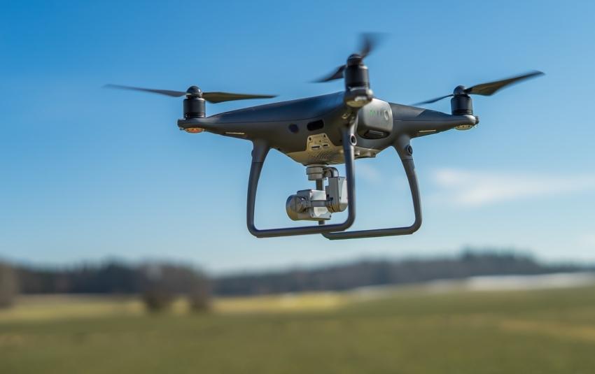 UK: Dentysta ukarany za dostarczenie antybiotyków dronem