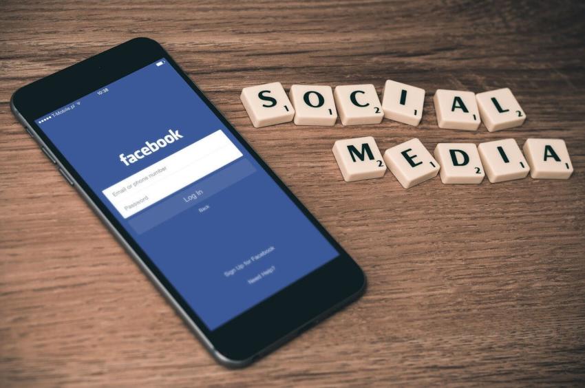 Dentysta w social mediach – możliwość czy konieczność? [webinar]