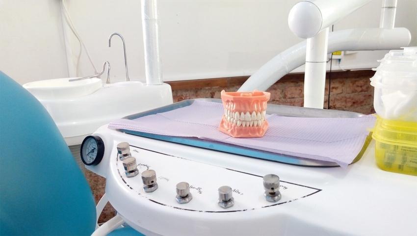 Gabinety stomatologiczne otwierane w kolejnych państwach