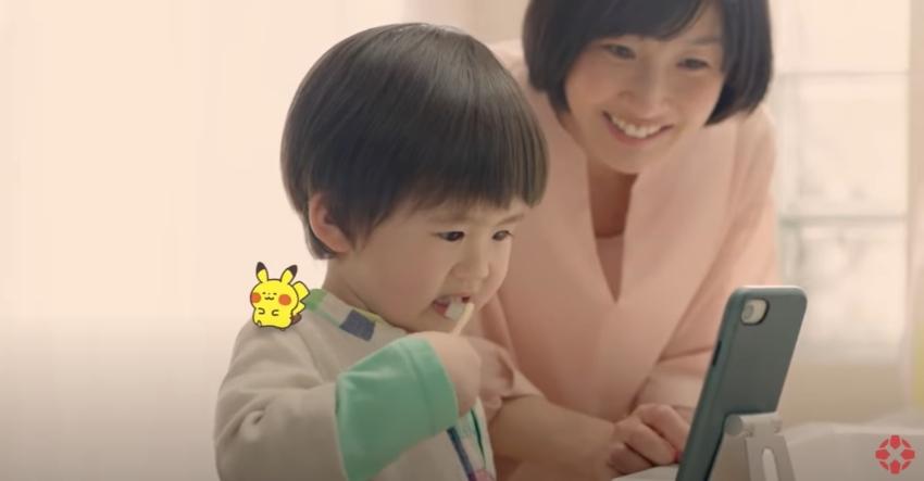 Pokemony przez aplikację mobilną uczą dzieci mycia zębów
