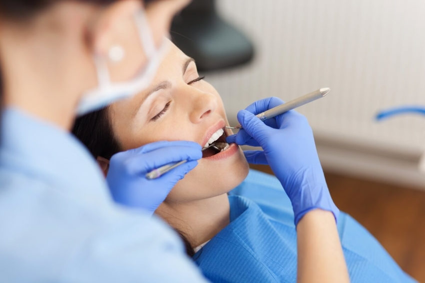 COVID-19 w USA: pacjenci systematycznie wracają do dentysty