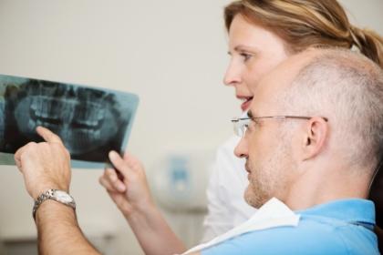 Lawinowo wzrasta liczba zachorowań na nowotwory głowy i szyi