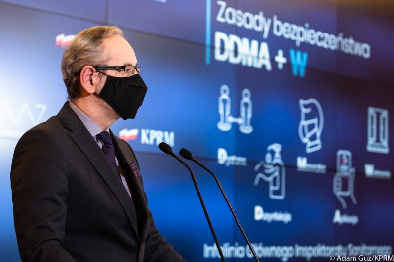 Pandemia koronawirusa: rząd wprowadził kolejne obostrzenia