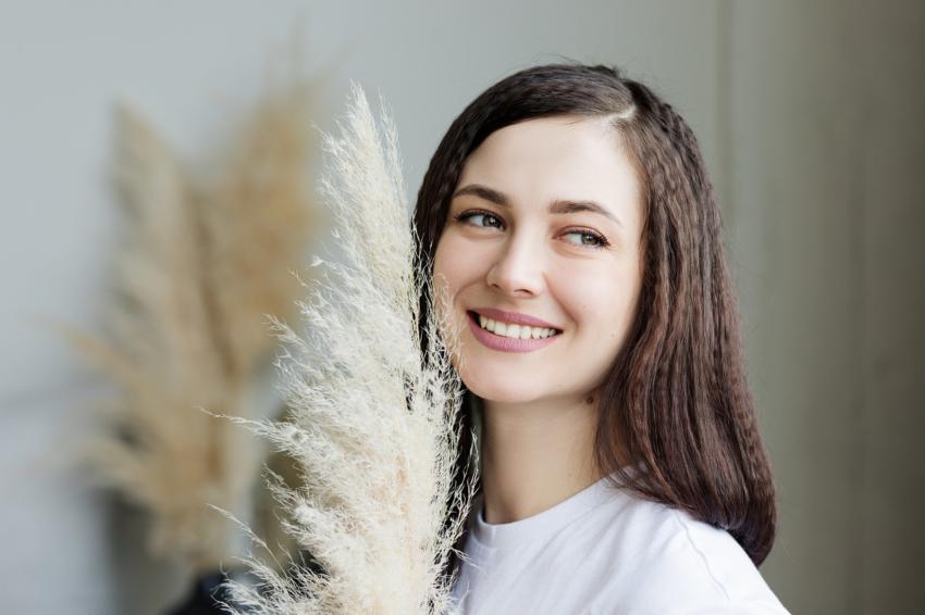 Nieinwazyjne sposoby wybielania zębów – sprawdzone produkty, które zagwarantują zdrowy i lśniący uśmiech