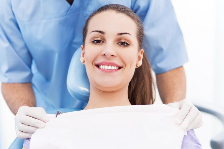 Cykl miesiączkowy a mikrobiom jamy ustnej kobiety