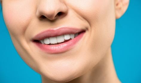 Irygator - czy warto go stosować? Czy może zastąpić nić dentystyczną?