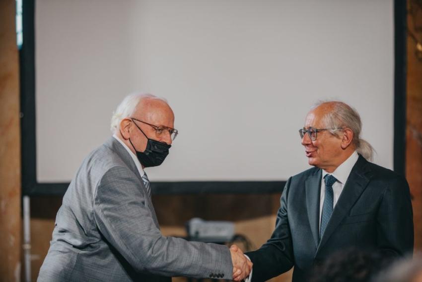 Prof. Jan Potempa pierwszym laureatem Nagrody Heisiga