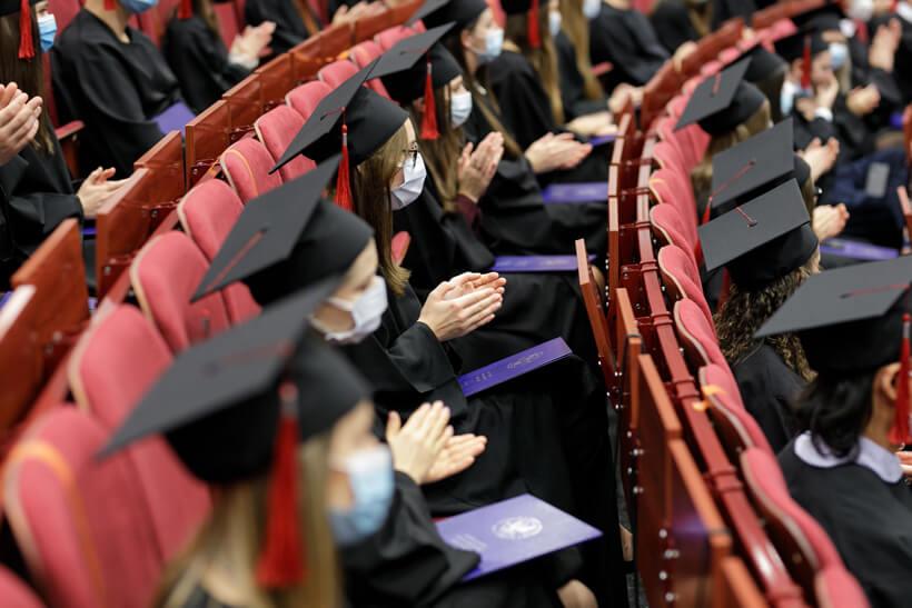 WUM: absolwenci stomatologii pożegnali uczelnię