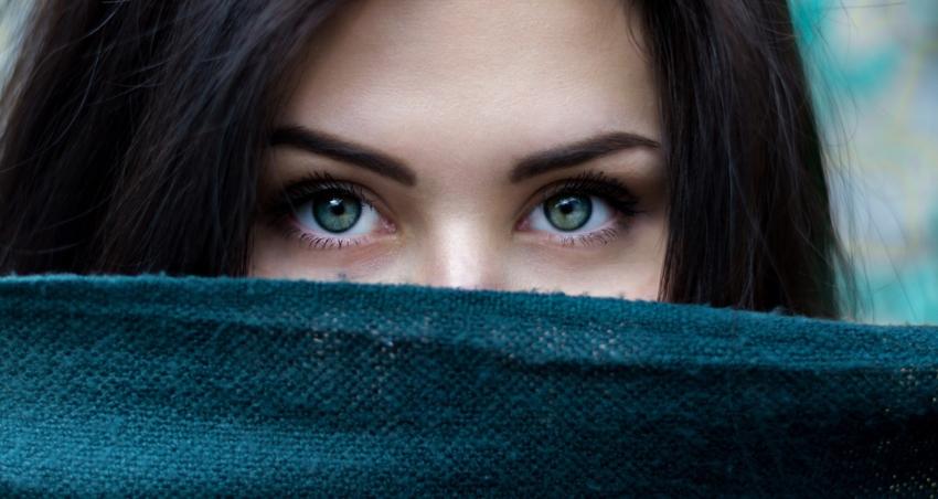 Zdrowie jamy ustnej i oczu – czy znasz związek między nimi?